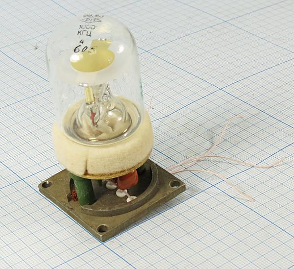 Лампы кварцевого резонатора